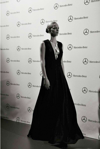 backstage-esther-noriega-mercedes-benz-fashion-week-madrid-little-things 14