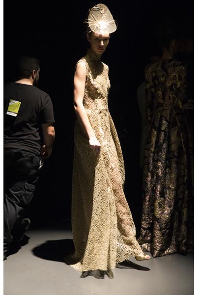 legend-esther-noriega-backstage-mercedes-benz-fashion-week-madrid 1